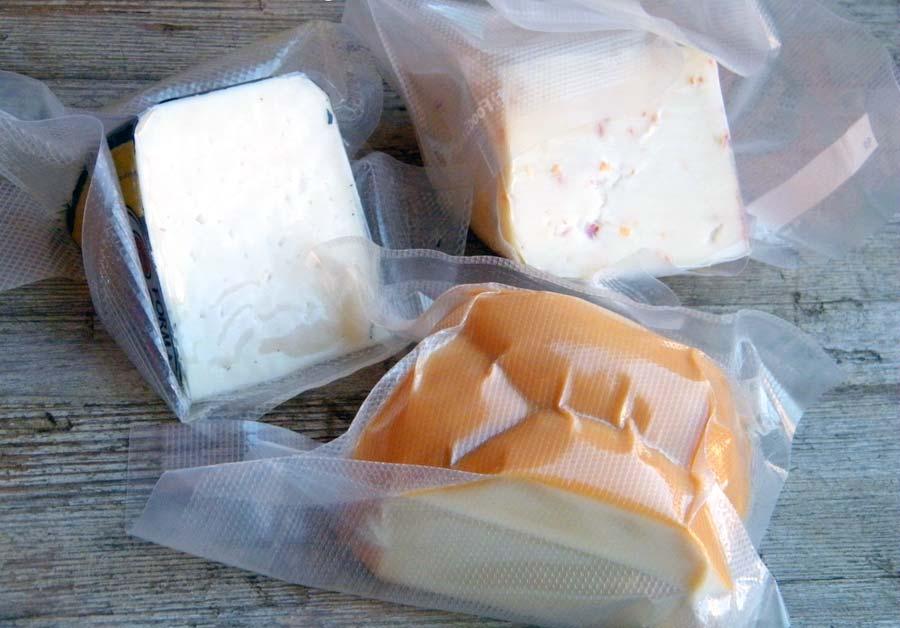 真空パックのチーズ