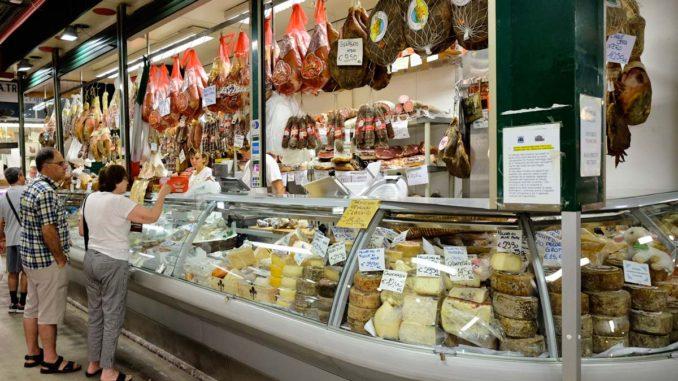 フィレンツェ中央市場 チーズ・ハム店マルコ