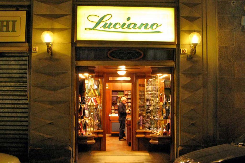 フィレンツェ 革手袋店ルチアーノ