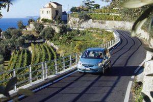 イタリアでレンタカー