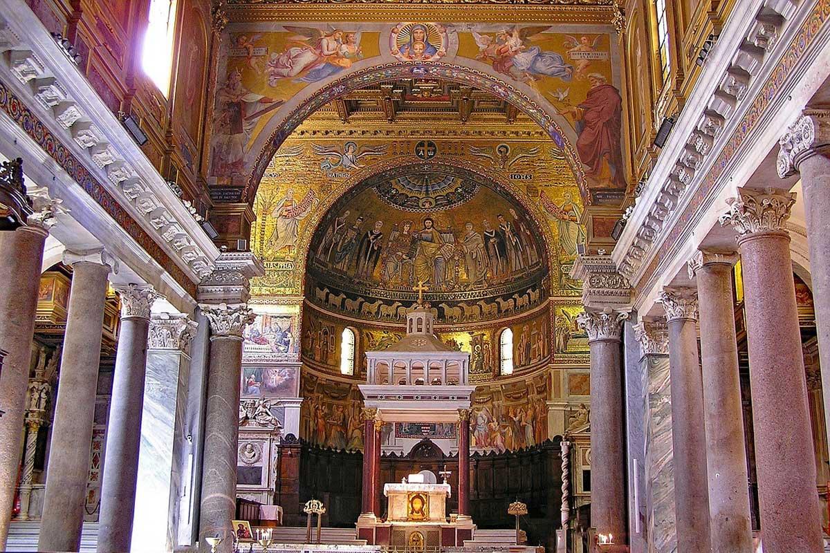ローマ サンタ・マリア・イン・トラステベレ教会内部