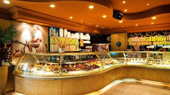ローマのジェラート店デッラ・パルマ