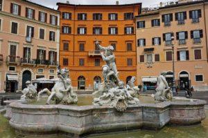 ローマ ナヴォーナ広場 ネプチューンの噴水