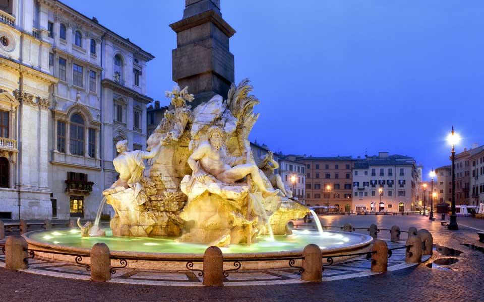 ローマ ナヴォーナ広場 四大河の噴水