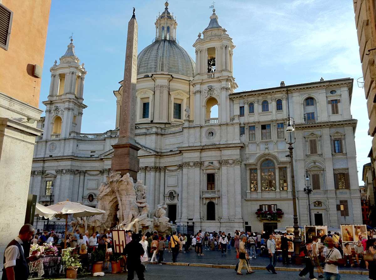 ローマ ナヴォーナ広場 サンタニェーゼ教会