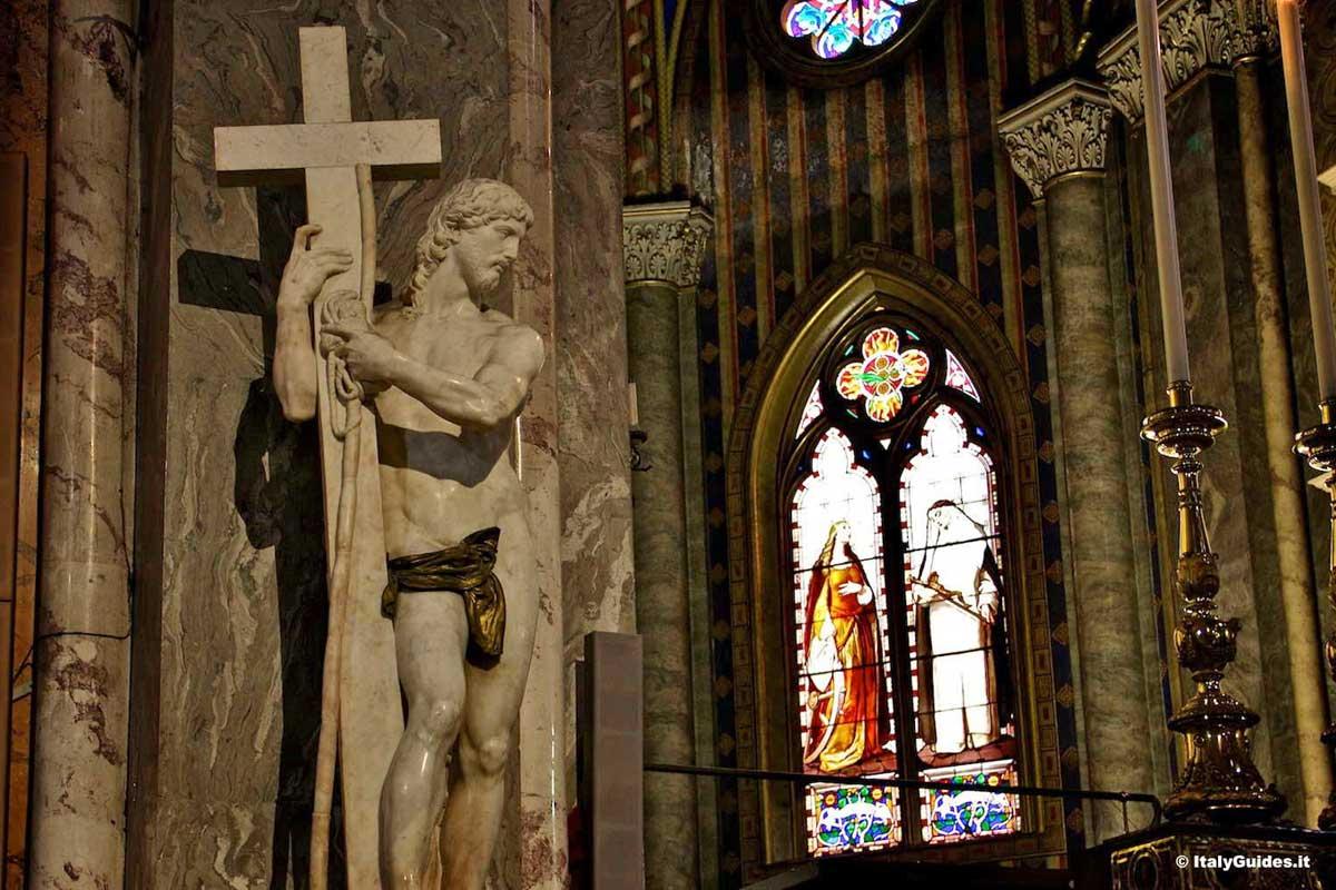 ローマ サンタ・マリア・ソプラ・ミネルヴァ教会 ミケランジェロ彫刻