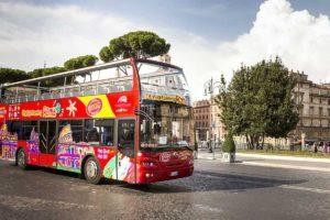 ローマの観光バス