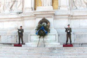 ローマ ヴィットリオ・エマヌエーレ二世記念堂 衛兵