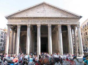 ローマ パンテオンの三角屋根