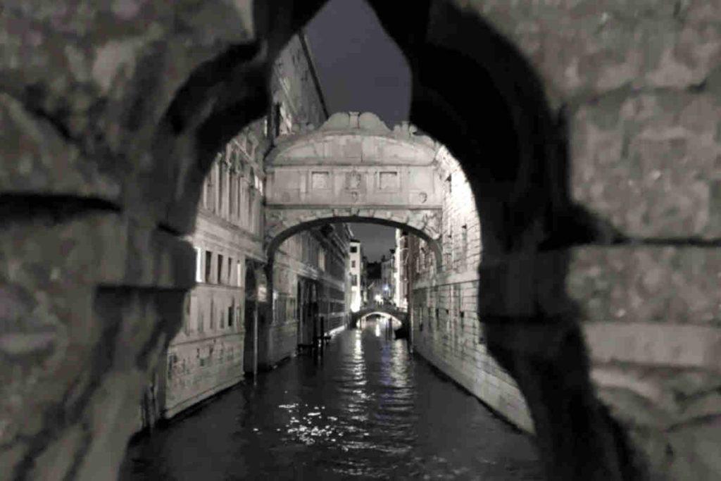 Venezia Ponte dei Sospiri(ため息橋)