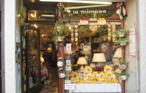バッサーノ・デル・グラッパの陶器店 『ラ・ミモザ La Mimosa』