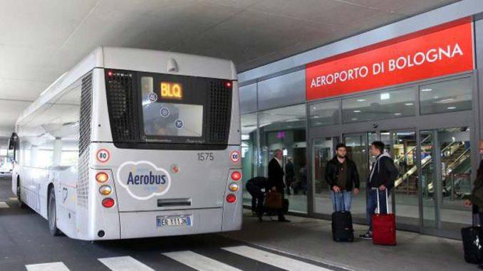 ボローニャ空港のシャトルバスAerobus