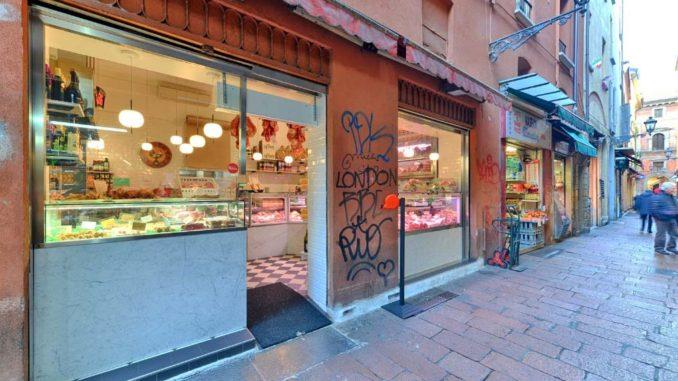 ボローニャの精肉・食材店「アニョレット&ビニャーミ」