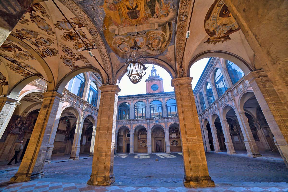 bologna_palazzo-dellarchiginnasio