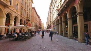 ボローニャのインディペンデンツァ通り