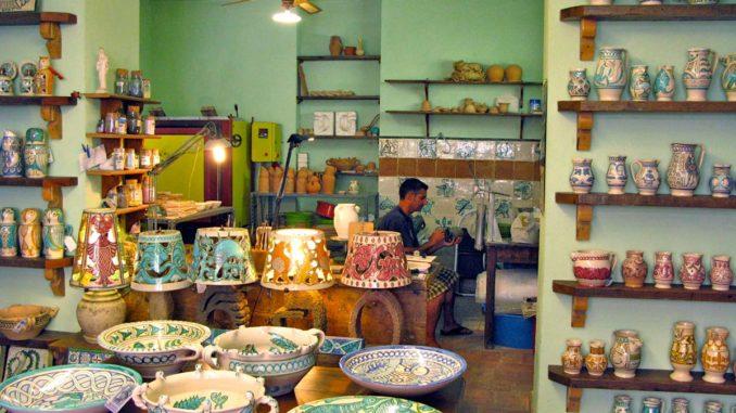 オルヴィエートの伝統陶器店「ラルピア」