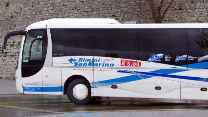 リミニ発サンマリノ行きバス