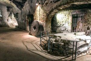 オルヴィエートの地下洞窟ツアー