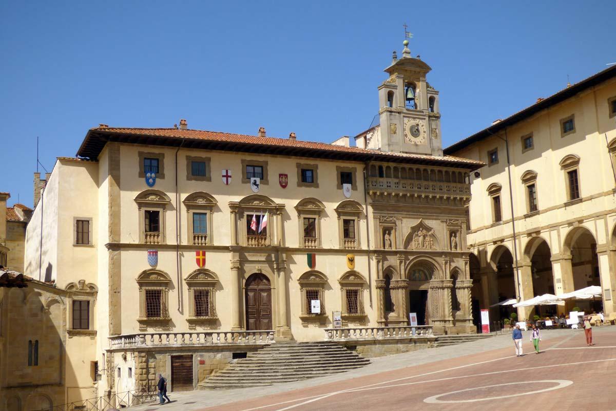 arezzo_palazzo-della-fraternita-dei-laici