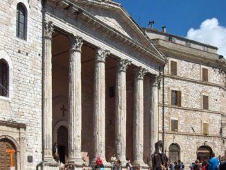 アッシジのミネルヴァ神殿