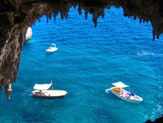 カプリ島の貸しボート