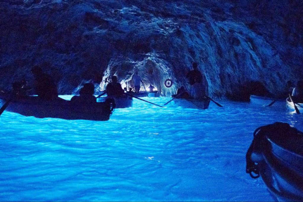 カプリ、青の洞窟