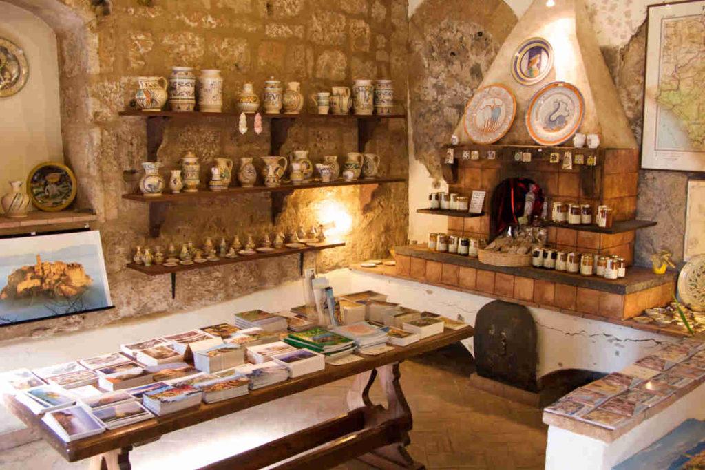 Civita di Bagnoregio souvenir shop IVANA