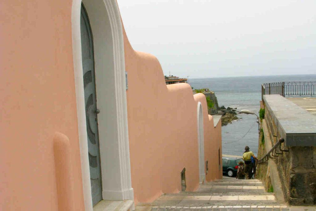 イスキア島のデル・ソッコルソ教会