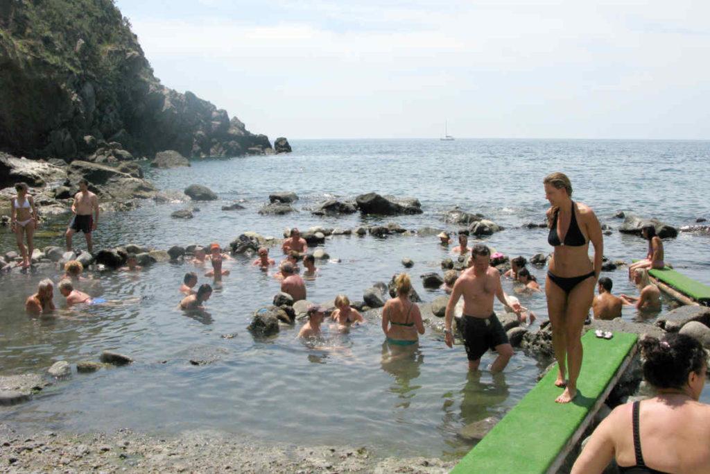 イスキア島の天然温泉