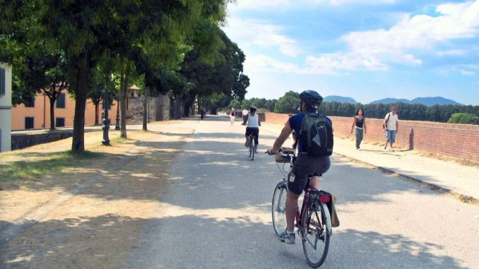 ルッカでレンタル自転車