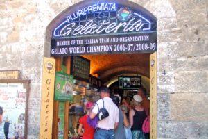 サンジミニャーノの世界一のジェラート店 Dondoli