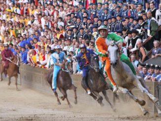 シエナのパリオ競馬レース