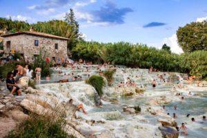 サトゥルニア温泉