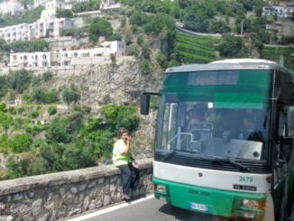 アマルフィ行きのバス