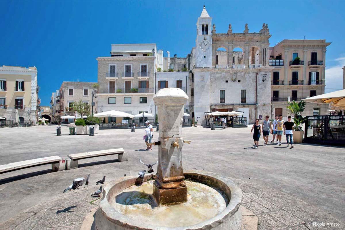 bari_piazza-mercantile