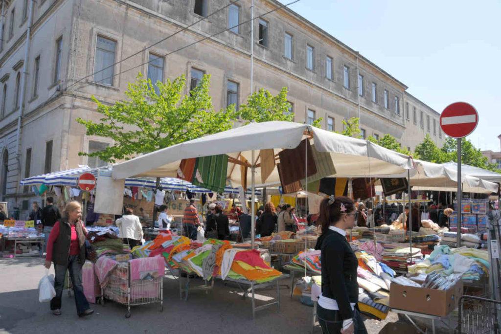 マルティーナ・フランカの水曜日市場