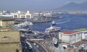 ナポリ港 ベヴェレッロ埠頭