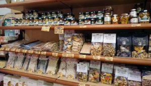 ポリニャーノの食材店