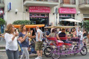 ポリニャーノの人気バール「Super Mago del Gelo」