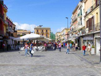 ナポリの港町ポッツォーリ