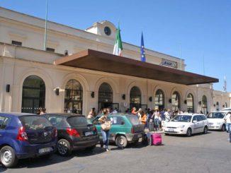 レッチェ国鉄駅
