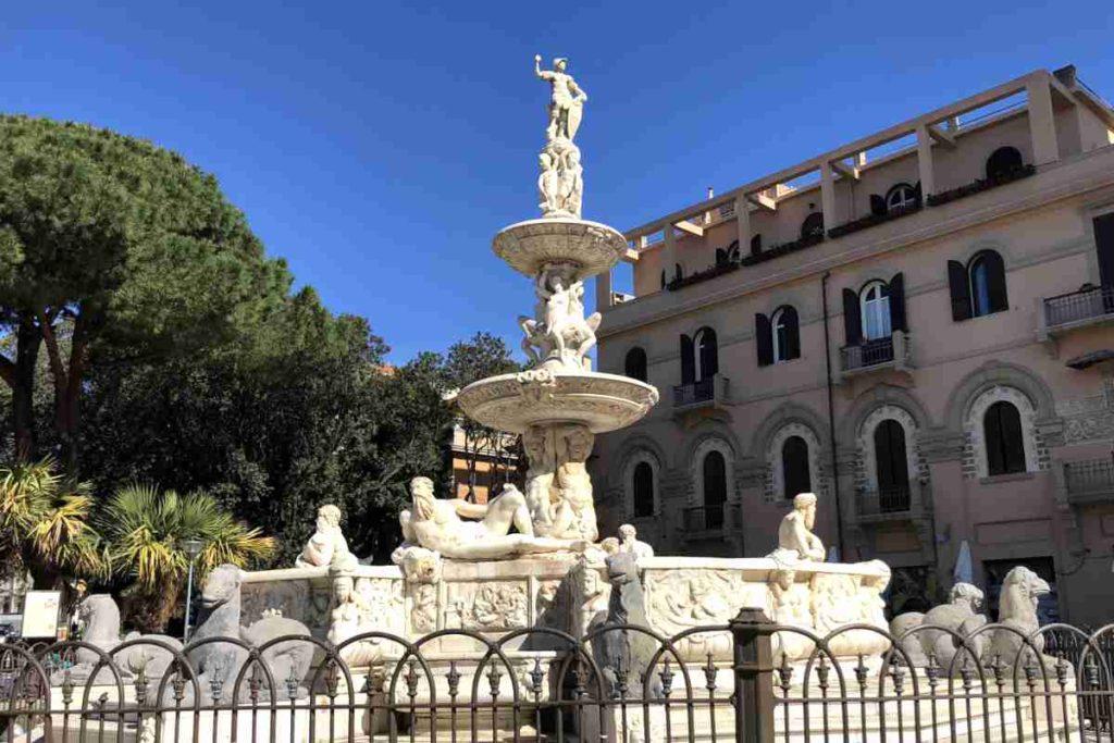 Messina Piazza del Duomo Fontana di Orione