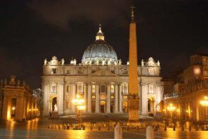 ローマの夜景 サン・ピエトロ寺院