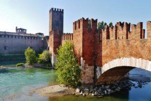 ベローナ Castelvecchio城とスカリジェロ橋