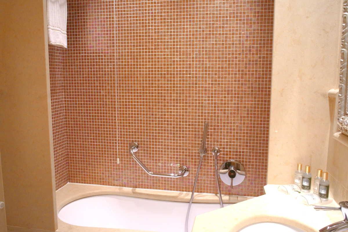 venezia-hotel-le-isole-bathroom