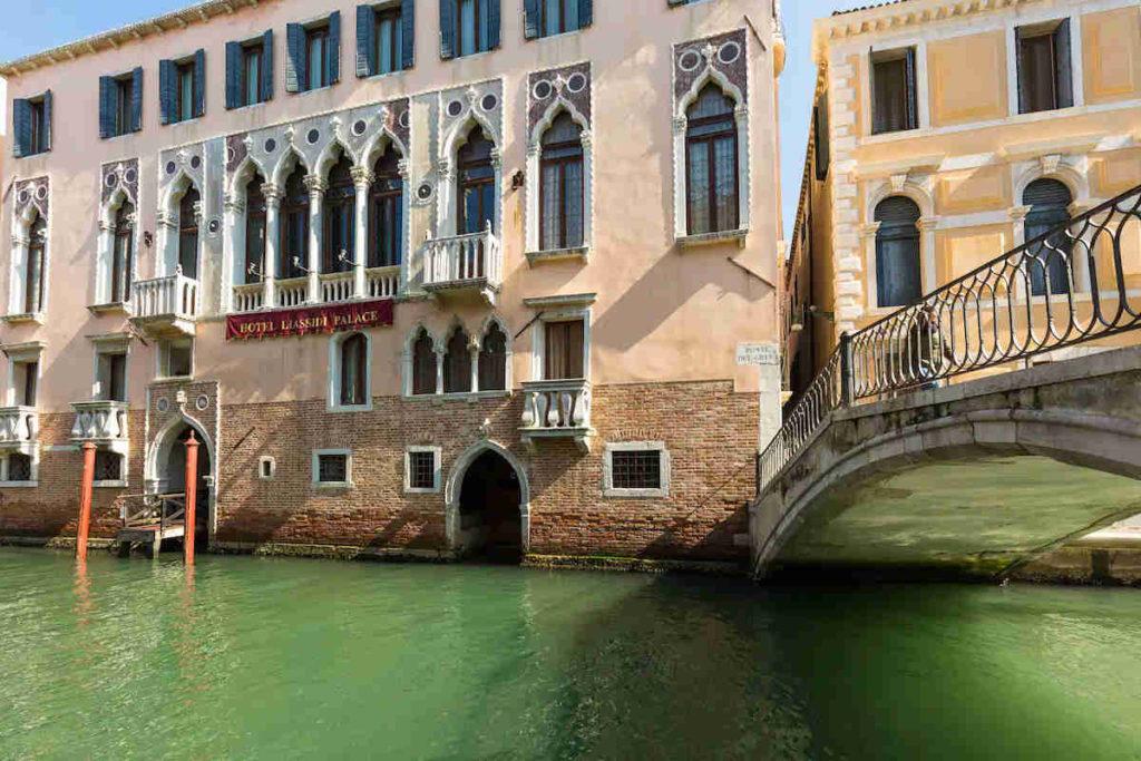 Venezia Liassidi Palace Hotel